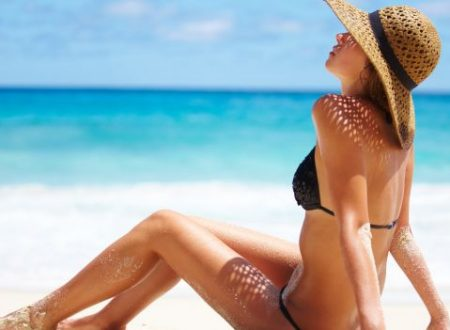 6 trucchi furbi per abbronzarsi più in fretta e senza problemi