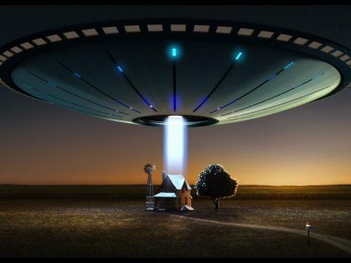 """John Edmonds vende casa perché """"è stanco di essere rapito dagli alieni """" [VIDEO]"""